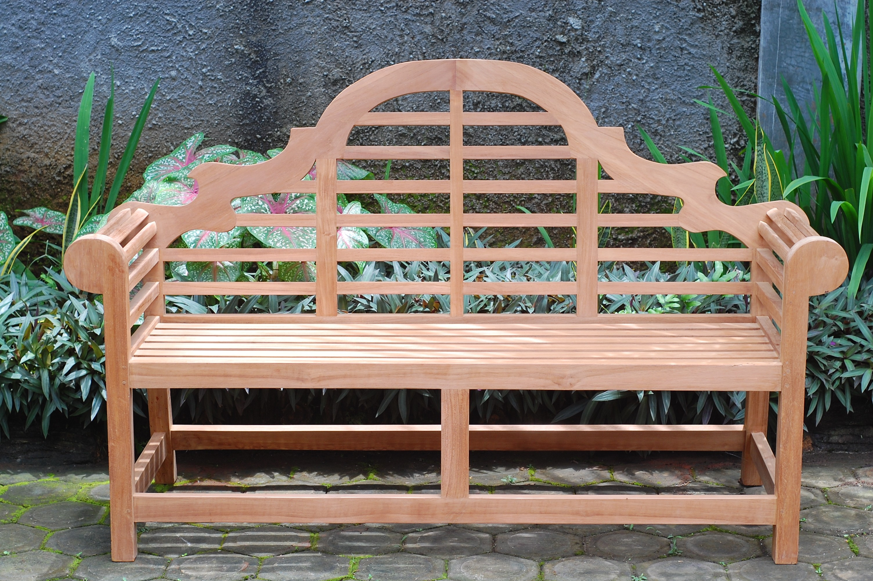 # Seater Lutyens Bench
