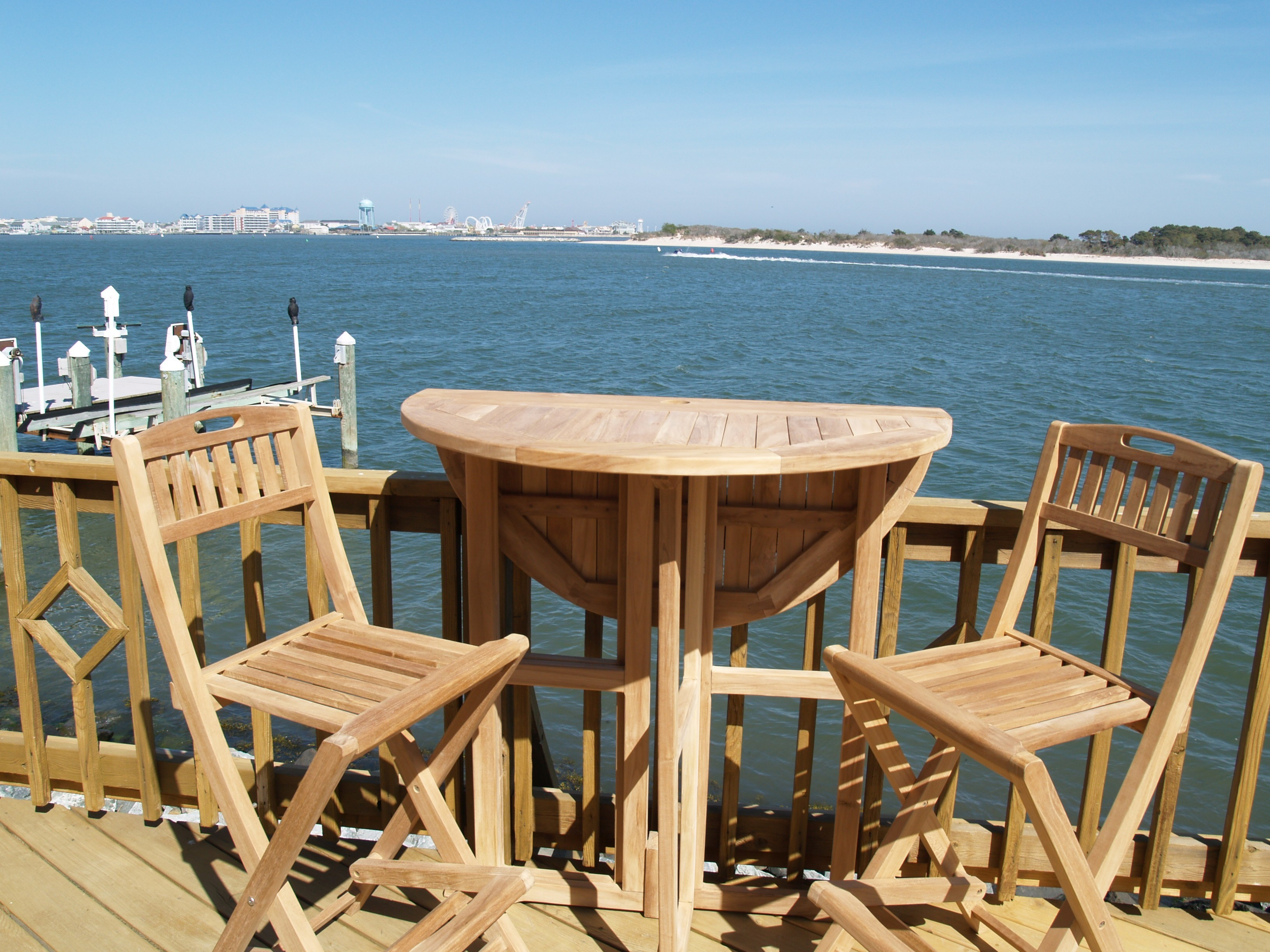 """Nassau 32"""" Round Drop Leaf Folding Bar Table ...use with 1 Leaf Up or 2.... Makes 2 different tables!"""