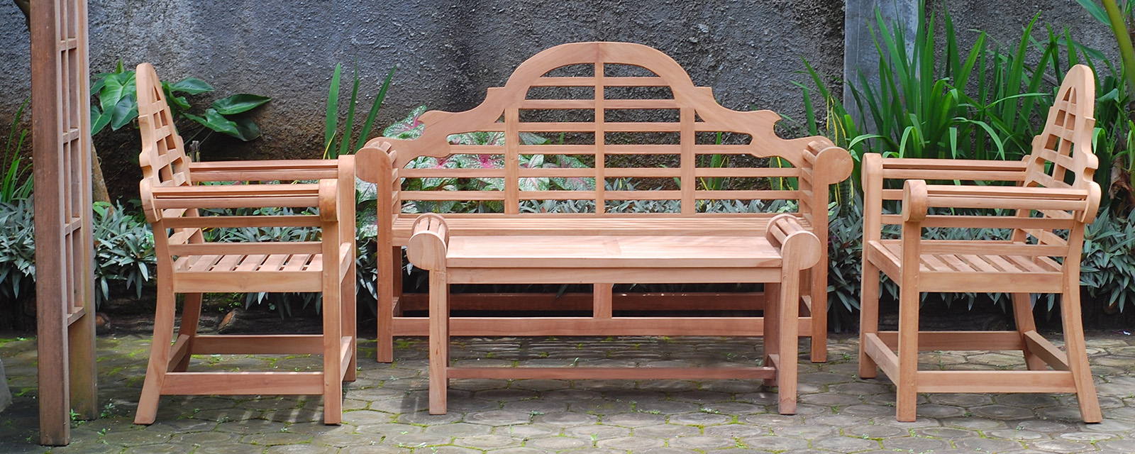 Lutyens Teak Collection